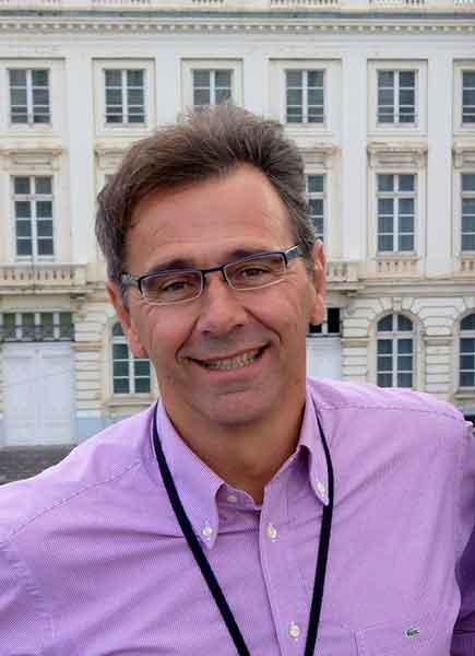 Πρόσωπα της Μαγνησίας. Ηλίας Οικονόμου,Καθηγητής Φυσικής Αγωγής,προπονητής ποδοσφαίρου.