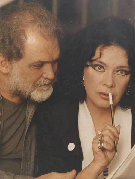 Σαν σήμερα έφυγε από τη ζωή η αγαπημένη μας Τζένη Καρέζη