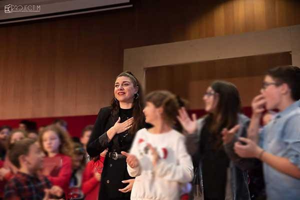 Πρόσωπα της Μαγνησίας. Βίκυ Νινιζοπούλου,Εκπαιδευτικός-Θεατρική συγγραφέας