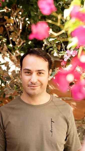 Βαγγέλης Δουκουτσέλης,Ηθοποιός-συγγραφέας-στιχουργός