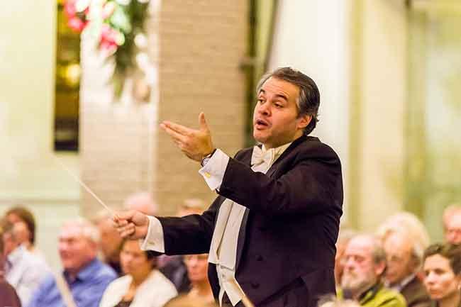@Βy Rien de Jager  Γιώργος Μουτσιάρας,Μουσικός διευθυντής και μαέστρο