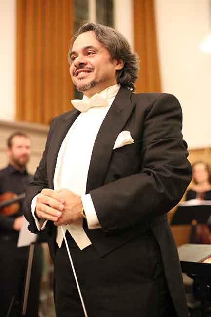 Γιώργος Μουτσιάρας,Μουσικός διευθυντής και μαέστρος