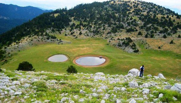 Οι δίδυμες λίμνες Ζερέλια που ήρθαν από το διάστημα