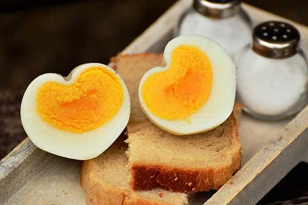 Αυγά: σωστό βράσιμο και εύκολο καθάρισμα, πως;