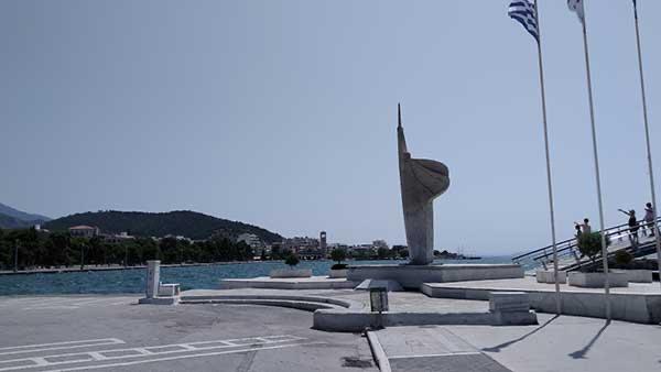 Το Μνημείο των Πεσόντων ή το Ηρώο στην παραλία του Βόλου, η ιστορία του
