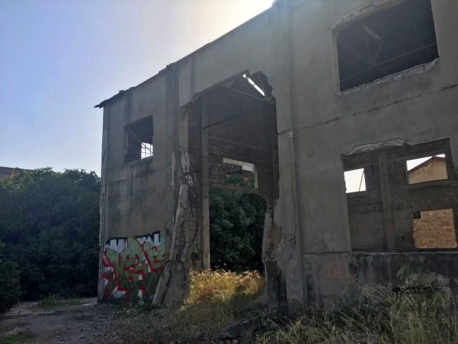 """Επισκεφτήκαμε το εργοστάσιο """"Οινοπνεύματος"""" στο Βόλο"""