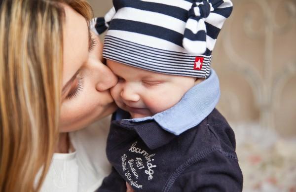 Πώς επιδρά ο δεσμός προσκόλλησης στον εγκέφαλο του παιδιού; του βολιώτη ψυχολόγου Νίκου Τσακνάκη