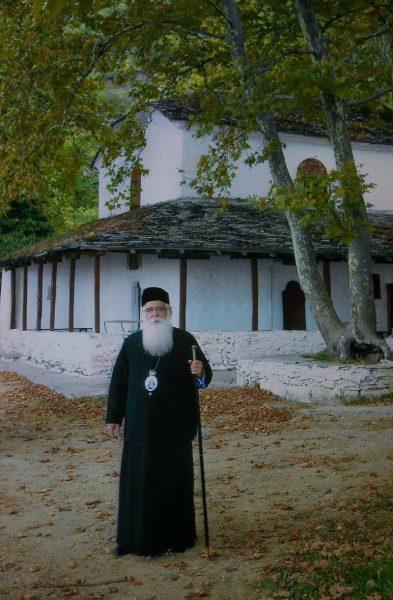 Η Ι.Μ. Αγίας Παρασκευής στη Μακρινίτσα,το βιβλιοδετείο και ο Ιερομόναχος Ακάκιος.