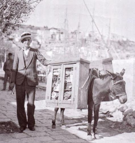 Όταν οι πλανόδιοι πουλούσαν από κρέας και γάλα μέχρι μαναβικά και σκούπες